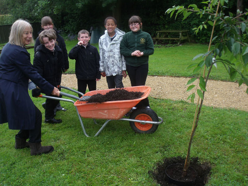 von Gardens Trust Chair, Ros Delany lends a hand at St Michael's Junior School, Bath