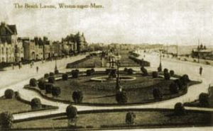 Beach Lawns as further ornamented after the installation of the fountain in 1913 The floral clock as it appeared in its first year, 1935